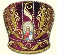 Красная митра без креста образ в арке