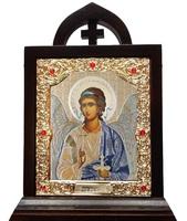Икона Ангела Хранителя, лик 10х12, арт. 29-П-1 12х19 см деревянный резной киот, лик 10х12 поясной Софрино белая одежда, оклад (риза) золото