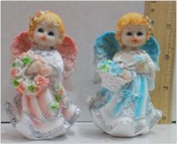 Керамическая статуэтка Ангелочек с корзинкой цветов