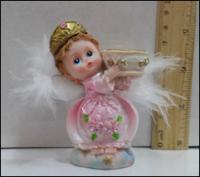 Керамическая статуэтка Ангел с сосудом